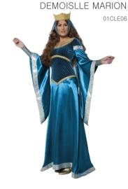 La robe, les gants, la couronne et le voile